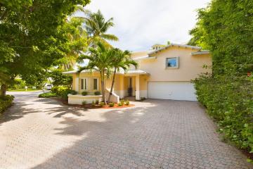 Home for Sale at 10 Coconut Lane, Key Biscayne FL 33149