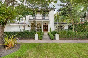 Home for Sale at 1041 Catalonia Av, Coral Gables FL 33134