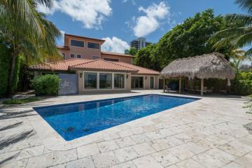 Home for Sale at 1101 N Venetian Dr, Miami Beach FL 33139