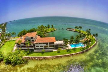 Home for Sale at 775 S Mashta Dr, Key Biscayne FL 33149