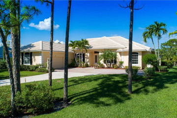 Home for Sale at 4633 SW Bermuda Way, Palm City FL 34990