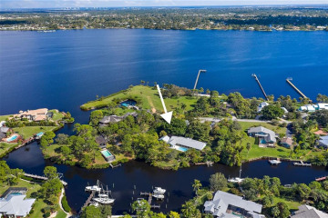Home for Sale at 3334 NW Perimeter Road, Palm City FL 34990