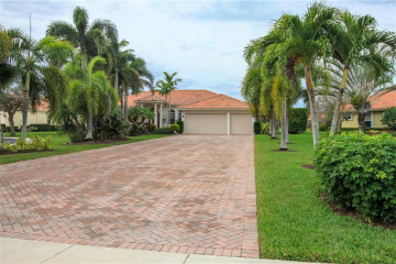 Home for Sale at 8946 SE Bayberry Terrace, Hobe Sound FL 33455