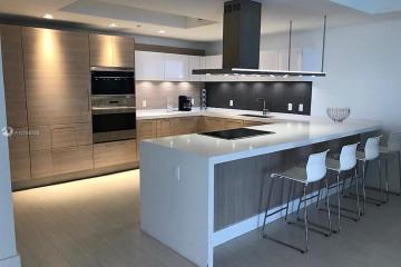 Home for Rent at 17111 Biscayne Blvd #607, Aventura FL 33160