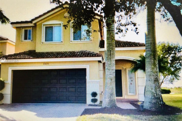 Home for Rent at 1320 Canary Island Dr, Weston FL 33327