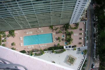 Home for Sale at 1750 N Bayshore Dr #4503, Miami FL 33132