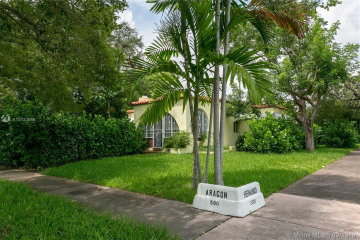 Home for Rent at 501 Aragon Ave, Coral Gables FL 33134