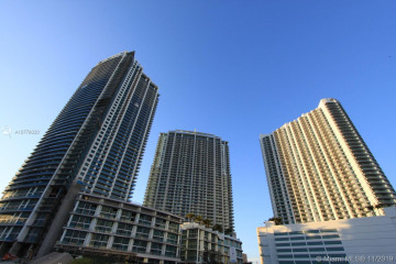 Home for Sale at 92 SW 3rd St #2010, Miami FL 33130