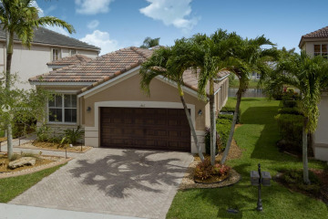 Home for Sale at 1867 Silverbell Ter, Weston FL 33327