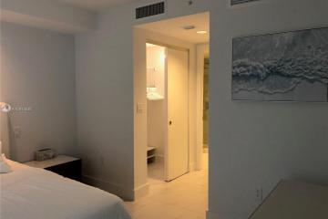 Home for Rent at 9821 E Bay Harbor Dr #502, Bay Harbor Islands FL 33154