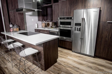 Home for Sale at 610 8th St #101, Miami Beach FL 33139