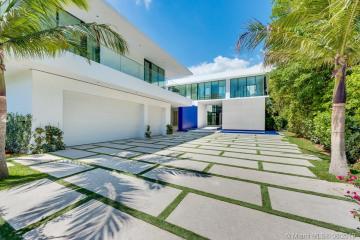 Home for Sale at 5004 N Bay Rd, Miami Beach FL 33140
