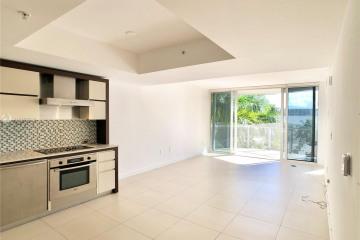 Home for Sale at 2155 Washington Ct #405, Miami Beach FL 33139
