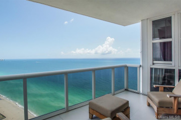 Home for Sale at 18201 Collins Ave #5204, Sunny Isles Beach FL 33160