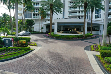 Home for Sale at 21200 Point Pl #904, Aventura FL 33180