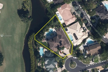 Home for Sale at 9483 NW 49th Doral Ln, Doral FL 33178