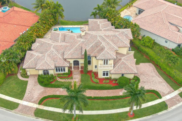 Home for Sale at 650 Sweet Bay Ave, Plantation FL 33324