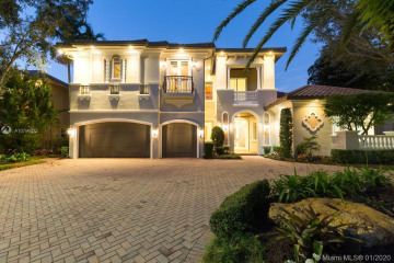 Home for Sale at 10281 Blue Palm St, Plantation FL 33324