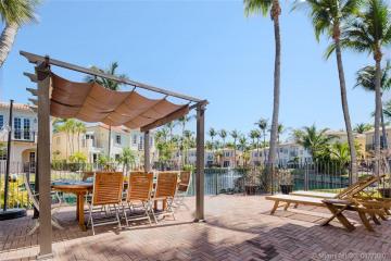 Home for Sale at 20835 NE 31st Pl, Aventura FL 33180