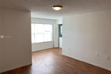 Home for Rent at 13090 Vista Isles Dr #113, Sunrise FL 33325