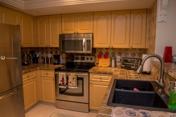 Home for Rent at 19801 E Country Club Dr #4208, Aventura FL 33180