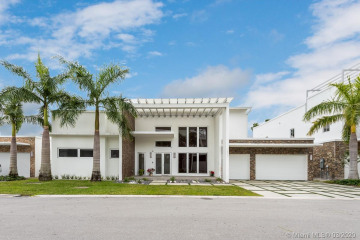 8236 NW 33rd Ter