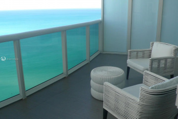 Home for Sale at 15811 Collins Ave #2503, Sunny Isles Beach FL 33160