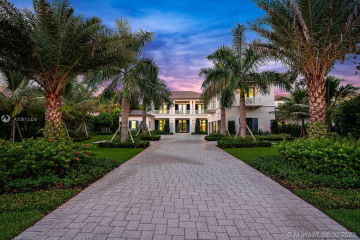 Home for Sale at 220 Commodore Dr, Jupiter FL 33477