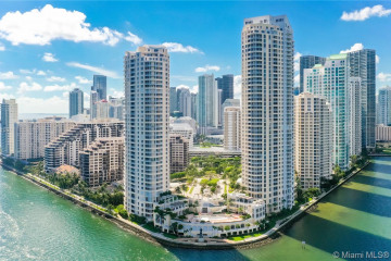 Home for Sale at 808 Brickell Key Dr #2101, Miami FL 33131