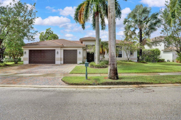 Home for Sale at 1433 Victoria Isle Dr, Weston FL 33327