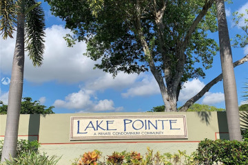 Home for Rent at 204 Lake Pointe Dr #203, Oakland Park FL 33309
