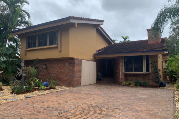 Home for Rent at 1028 N Malaga Ave, Coral Gables FL 33134