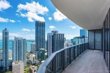 Home for Rent at 45 SW 9th St #4001, Miami FL 33130