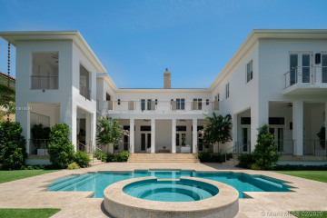 Home for Sale at 272 Marinero Ct, Coral Gables FL 33143
