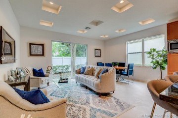 Home for Sale at 1940 32nd St #1940, Lighthouse Point FL 33064