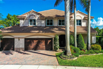 Home for Sale at 1419 Crossbill Ct, Weston FL 33327