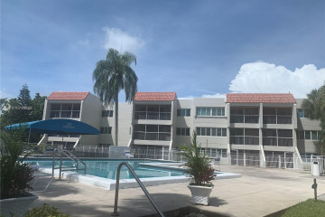 Home for Sale at 120 Lakeview Dr #314, Weston FL 33326