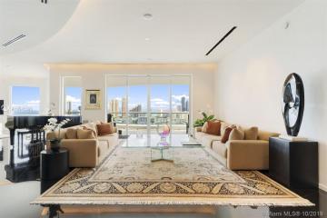 Home for Sale at 6000 Island Boulevard #2906, Aventura FL 33160