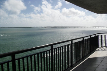Home for Sale at 540 Brickell Key Dr #1127, Miami FL 33131