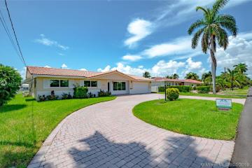 Home for Sale at 2710 NE 5th St, Pompano Beach FL 33062