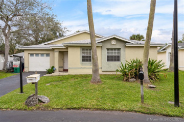 Home for Sale at 20307 SW 86th Ct, Cutler Bay FL 33189