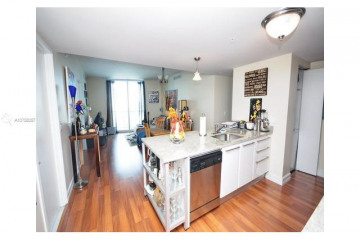 Home for Sale at 185 SW 7th St #2009, Miami FL 33130