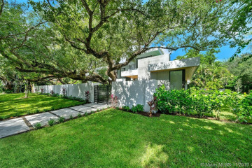 Home for Sale at 4701 SW 74th St, Miami FL 33143