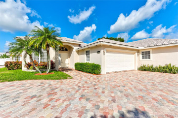 Home for Sale at 5731 NW 54th Ter, Tamarac FL 33319