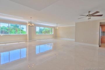 Home for Rent at 650 Ocean Dr #3C, Key Biscayne FL 33149