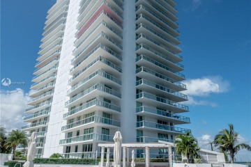 Home for Sale at 10 Venetian Way #1206, Miami Beach FL 33139