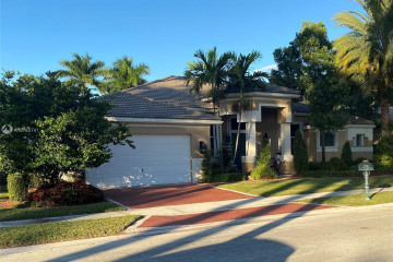 Home for Sale at 2581 Mayfair Ln, Weston FL 33327