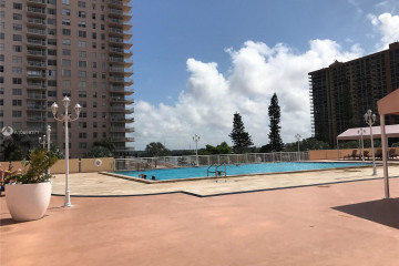Home for Sale at 251 174 #2307, Sunny Isles Beach FL 33160