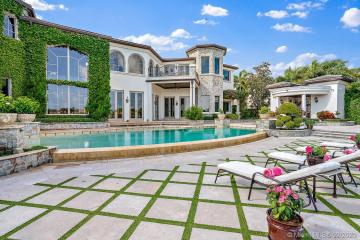 Home for Sale at 494 Mariner Dr, Jupiter FL 33477