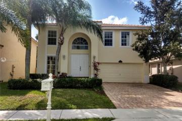 Home for Rent at 16160 La Costa Dr, Weston FL 33326